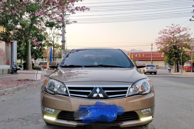 二手车东南V5菱致 2012款 1.5L 手动旗舰型