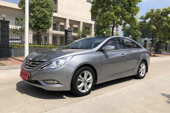 二手车2011款 索纳塔八 2.0L DLX 自动尊贵版