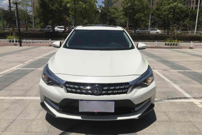 二手车2018款 启辰D60 1.6L CVT智联精英版