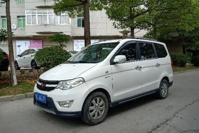 二手车2014款 五菱宏光S 1.5L 手动豪华型