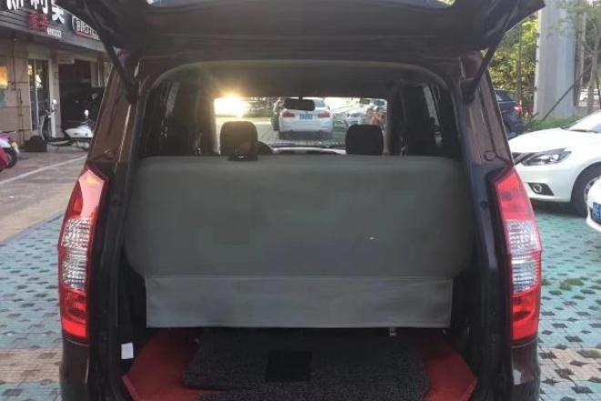 二手车2015款 五菱宏光S 1.5L MT手动挡基本型