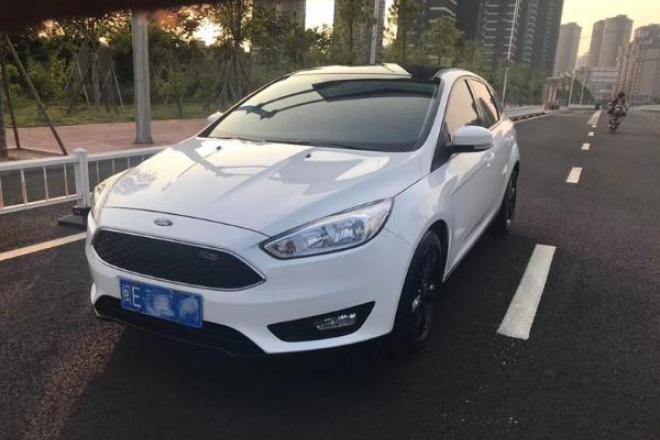二手车2017款 福克斯 两厢 1.6L 自动舒适型智行版