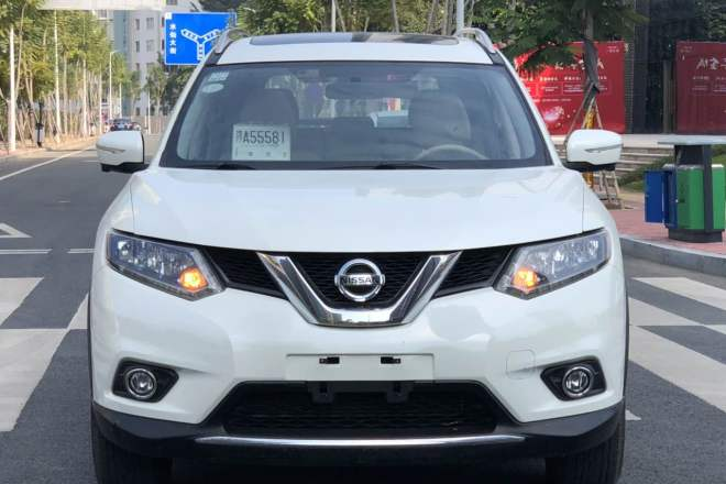 二手车2015款 奇骏 2.0L CVT舒适MAX版 2WD